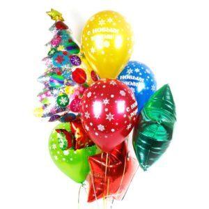 Композиция из разноцветных шаров с ёлкой на новый год
