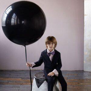 Большой черный шар на фотосессию