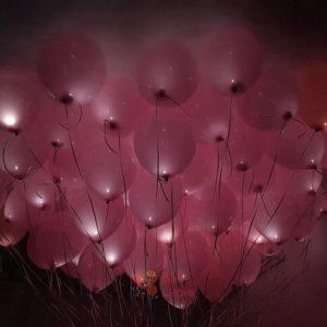 Светящиеся розовые шары под потолок с белыми светодиодами