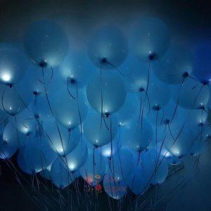 Светящиеся голубые шары под потолок с белыми светодиодами