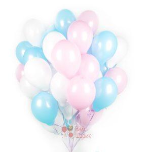Облако белых, розовых и голубых шаров