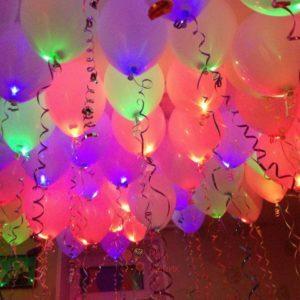 Светящиеся разноцветные шары пастель с мигающими разноцветными светодиодами под потолок