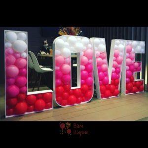 Буквы LOVE в стиле аэромозаика