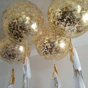 Большой черный и  прозрачный шар с золотыми блестками