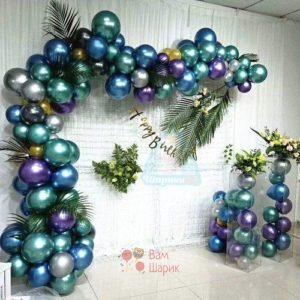 Арка-гирлянда из разноразмерных хромированных шаров
