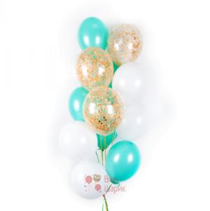 Облако бело-мятных и прозрачных шаров с золотыми блёстками