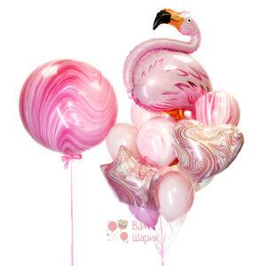 Композиция из шаров с фламинго и большим розовым агатом