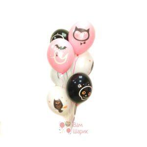 Облако черных, белых и розовых шаров на Хэллоуин