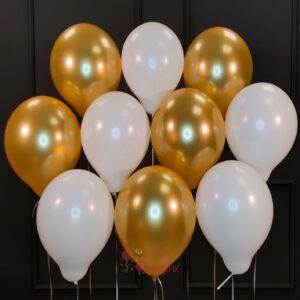 Воздушные белые мятные и золотые шары