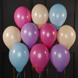 Воздушные белые и золотые шарики