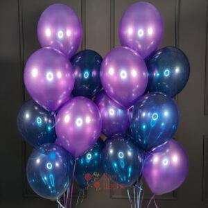 Облако из фиолетовых шаров металлик и синих шаров кристалл