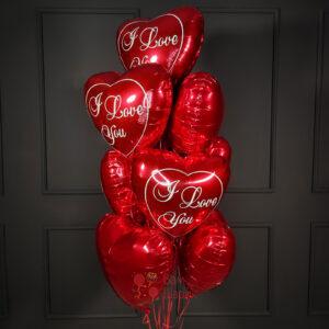 Красные сердца и сердца I LOVE YOU для любимых