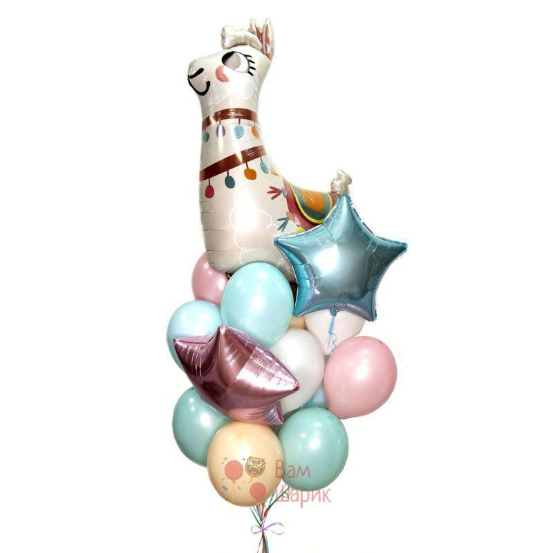 Композиция из нежных шаров со звездами и Ламой