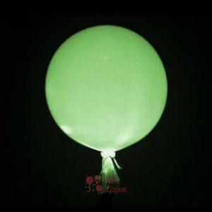 Светящийся большой белый шар с зелеными светодиодами