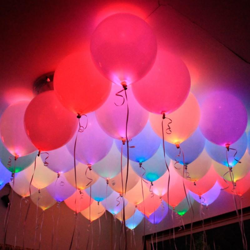 Светящиеся разноцветные шары с белыми светодиодами