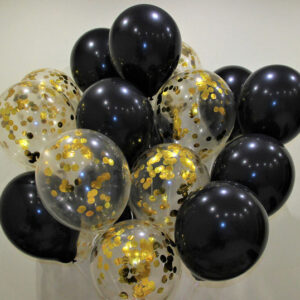 Композиция из черных и прозрачных шаров с золотыми конфетти